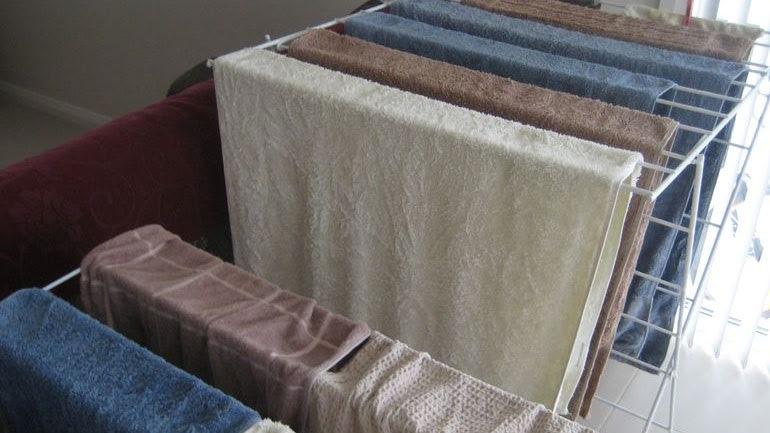 Γιατί δεν πρέπει να στεγνώνουμε τα ρούχα μέσα στο σπίτι