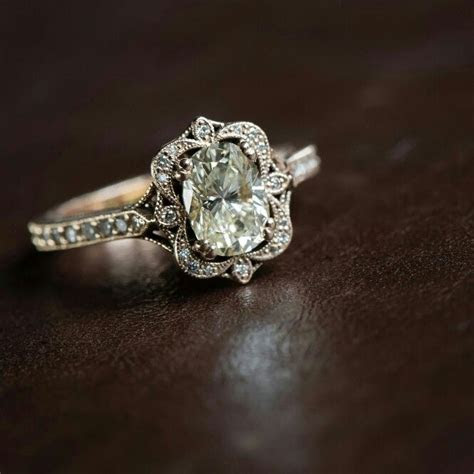 17 Best ideas about Antique Engagement Rings on Pinterest