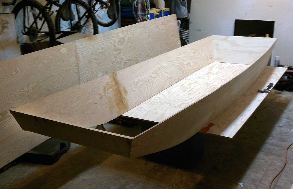 Building a Wooden Jon Boat With Simple Plans for Small Plywood Boats