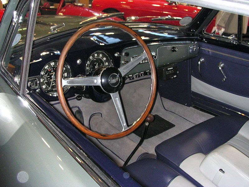 http://upload.wikimedia.org/wikipedia/commons/thumb/b/b8/Lancia_Aurelia_B20_GT_i.jpg/800px-Lancia_Aurelia_B20_GT_i.jpg