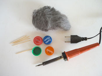 Material pra fazer piões de tampinhas de pet