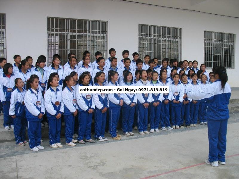 quần thể dục sinh viên
