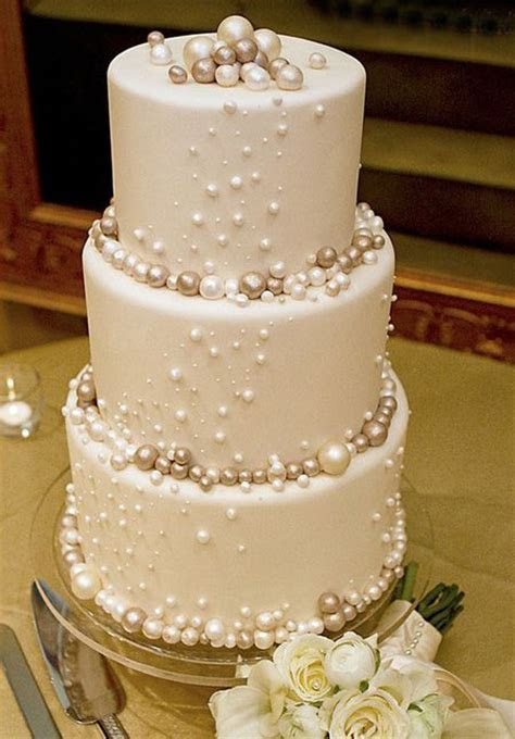 1000  ideas about Pearl Cupcakes on Pinterest   Fondant