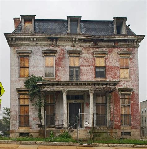 25  best ideas about Abandoned mansions on Pinterest