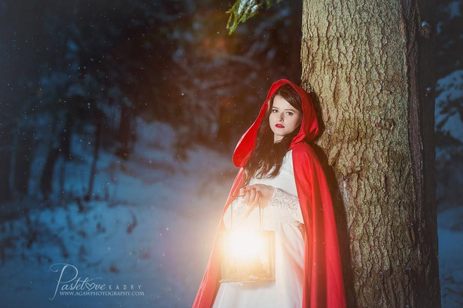 czerwona peleryna