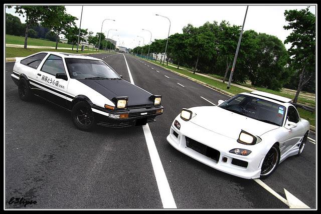 Toyota Corolla AE86 Trueno & Mazda Efini RX7 FD3S