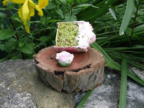 Pistachio rose cupcake
