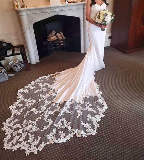 Enzoani Larissa Second Hand Wedding Dress on Sale 40% Off