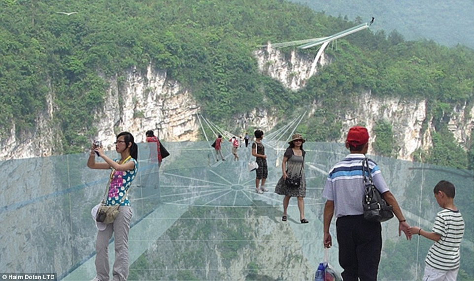 The terrifying platform is no quick stroll, stretching a whopping 1410ft above the impressive Hunan province scenery