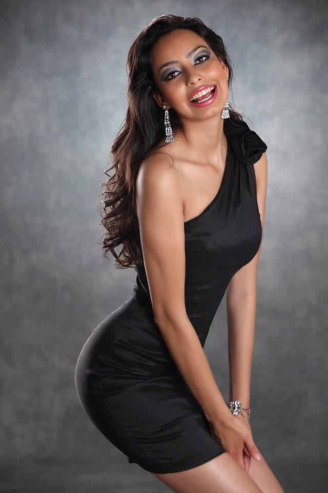 Alejandra Castillo en traje de noche (foto 2)