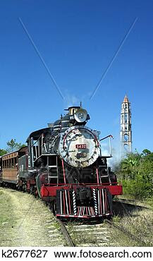Picture - tourist train  valle de los ingenios,   manaca iznaga,   sancti. fotosearch  - search stock  photos, pictures,  images, and photo  clipart
