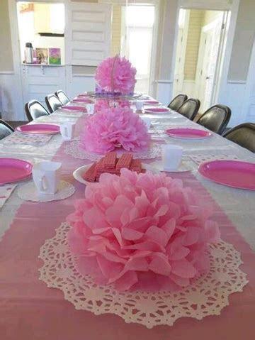 Sencillos y bonitos centros de mesa con papel china