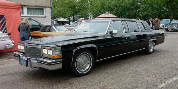 1982 Cadillac Fleetwood Limo - Information and photos ...
