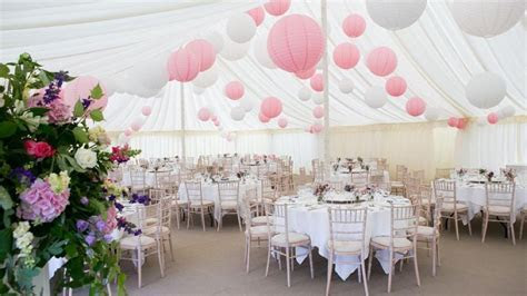 Pink paper lantern, roze lampionnen. Wedding decoration