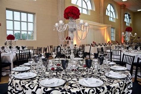 Best 25  Damask tablecloth ideas on Pinterest   Purple