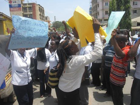 Kenyan nurses demonstrate for higher pay and better working conditions. The government has sacked thousands in retaliation. by Pan-African News Wire File Photos