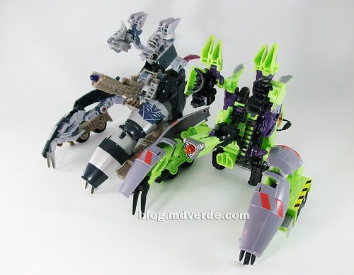 Transformers Mixmaster RotF Voyager (G1 deco)  vs Mixmaster (RotF deco) - modo battle