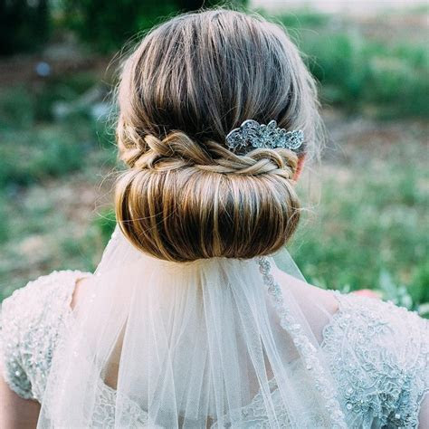 25 Romantic wedding hairstyles for long hair from boho to