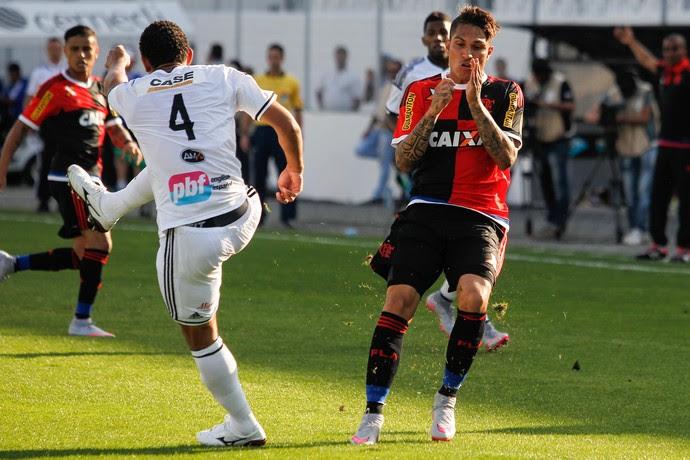 Pablo Guerrero Ponte Preta Flamengo (Foto: Douglas Pingituro / Agência Estado)