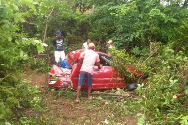 Empresária florianense morre em acidente na BR-230(Imagem:Cleto Rodrigues)