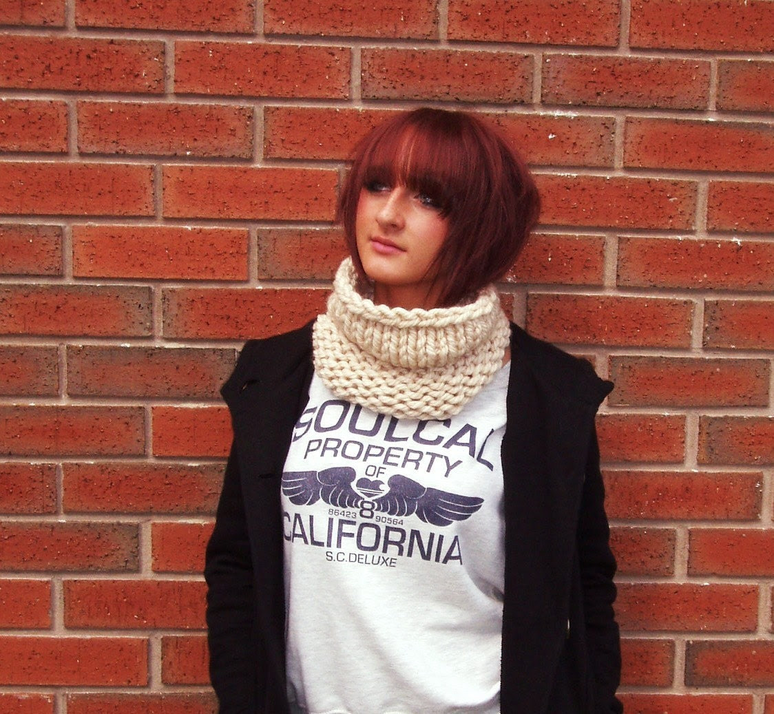 Cream Knitted Neck Cosy