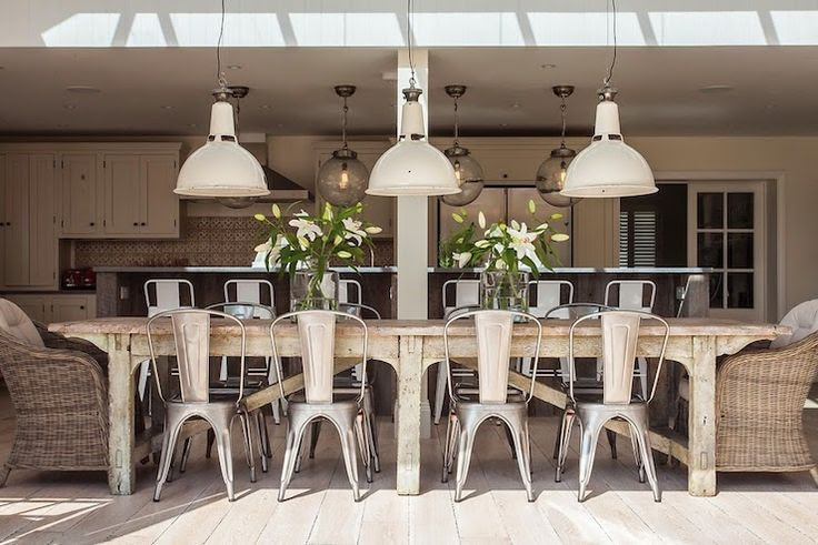 farmhouse-style dining room w/skylight