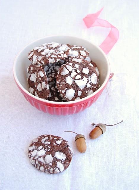 Chocolate ginger crinkle cookies / Biscoitos craquelados de chocolate e gengibre