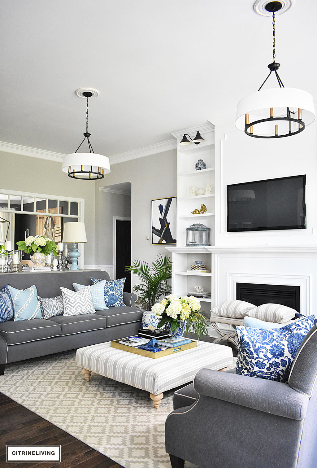 20+ Fresh Ideas for Decorating with Blue and White ...