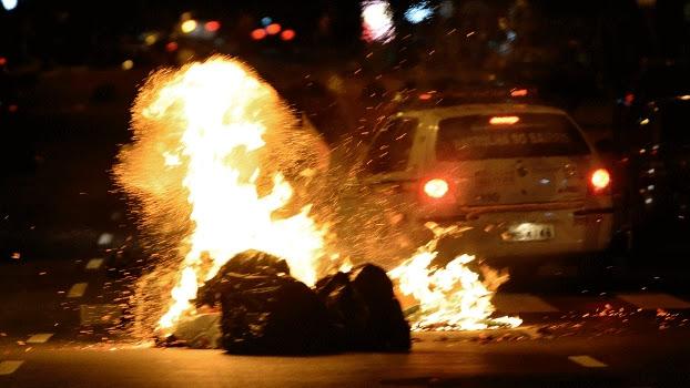 Fogo em protestos em Belo Horizonte