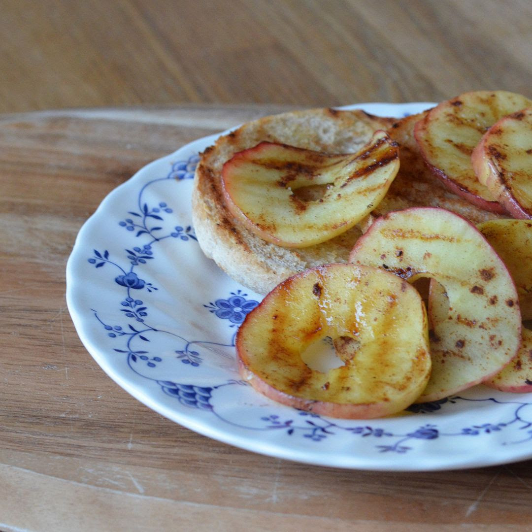 Grilled Apple Cinnamon Toasts