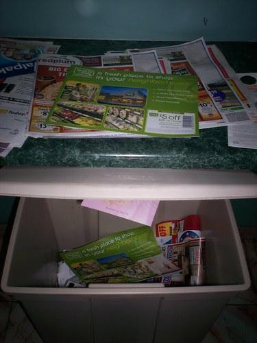 Mail room recycle bin
