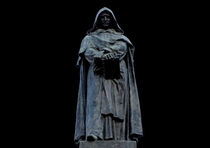 Giordano Bruno, el pionero que desafió la imagen aristotélica-medieval del mundo y pagó esta «herejía» con su vida.