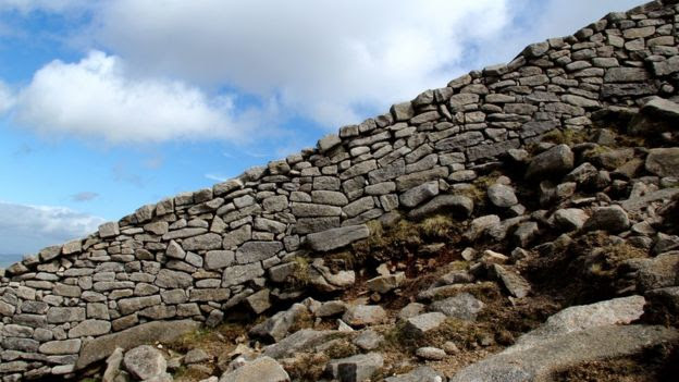 The Mourne wall on Slieve Bearnagh