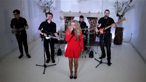 Hire the Best UK Party Wedding Band, Livewire