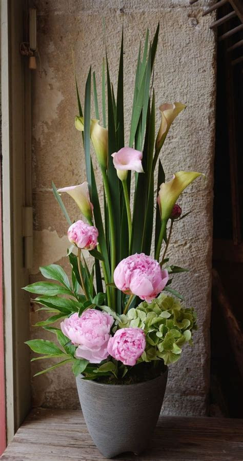 Best 25  Fake flower arrangements ideas on Pinterest   DIY