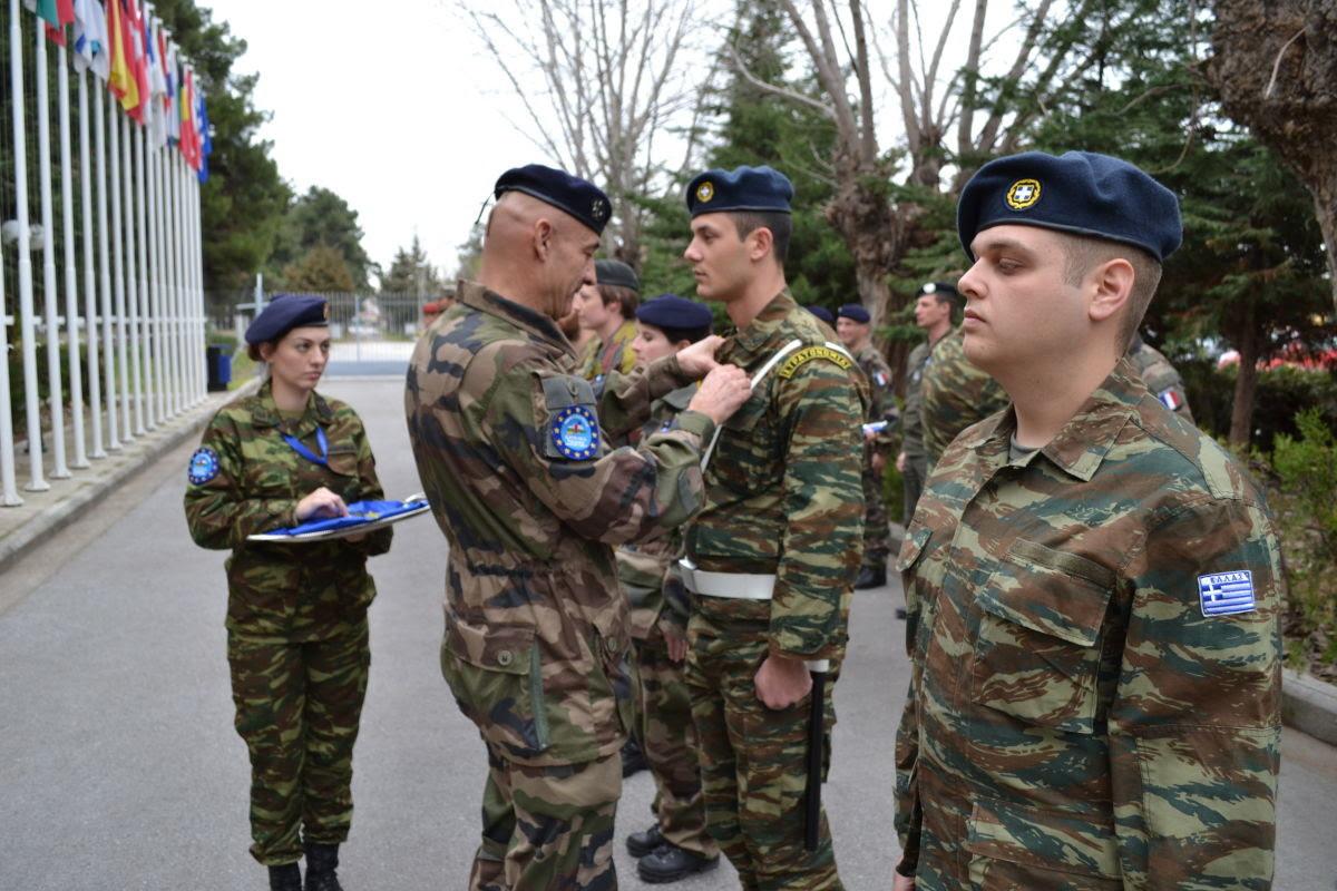 Παρασημοφόρηση στο Ευρωπαϊκό Στρατηγείο Λάρισας (ΦΩΤΟ)