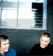 picture courtesy of Red Dust [A Zero 7 fansite]: http://home.online.no/~opberget/website/