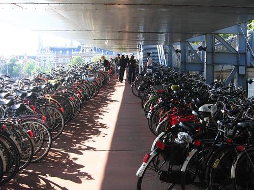 Estacionamento publico de bicicletas 2