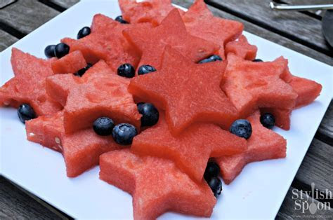 Recipe :: Star Shaped Watermelon {4th of July}   Stylish Spoon