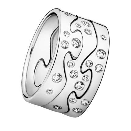 Danish designer Georg Jensen's FUSION ring fits together