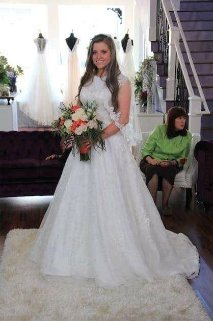 Joy Anna @ her dress fitting   The Duggars   Duggar