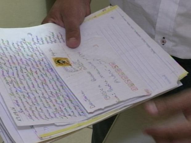 Cartas de presidiários foram encontradas nas casas dos advogados presos (Foto: Reprodução/TVTEM)