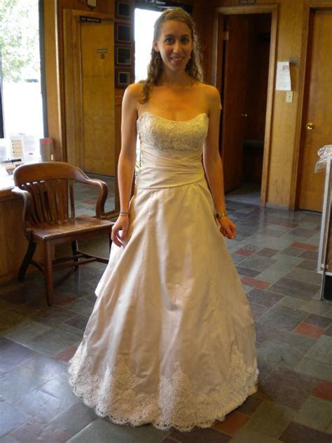 Wedding dress size 2 4ish or street size 0 2 can you post