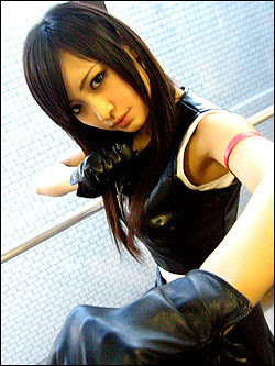 I want to clone this hot Tifa cosplayer