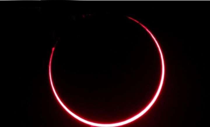 El eclipse solar pudo verse en plenitud en Chubut y conmovió al país