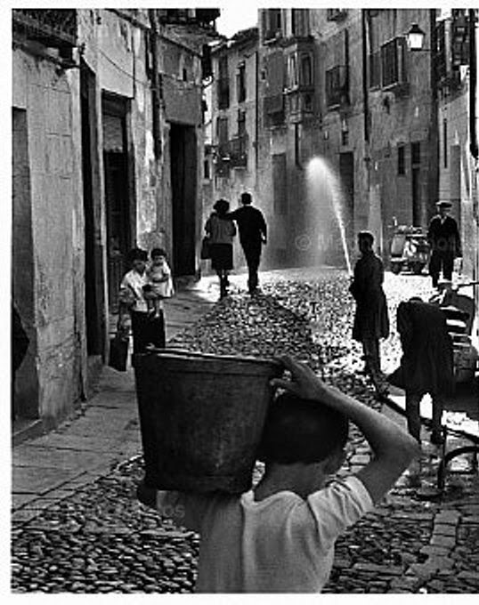 Calle de Sixto Ramón Parro en Toledo. Foto de Inge Morath en 1961 (detalle). Magnum Photo