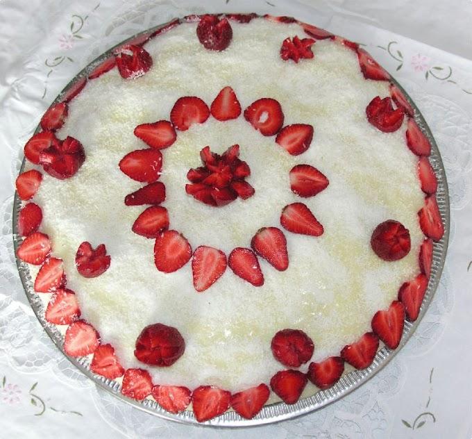 Çilekli Amonyaklı Pasta