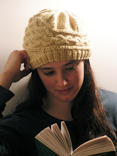 http://craft-craft.net/wp-content/uploads/2012/01/cabled-beret-women-knitting-patterns-craft-craft-21567252670342100746.jpg