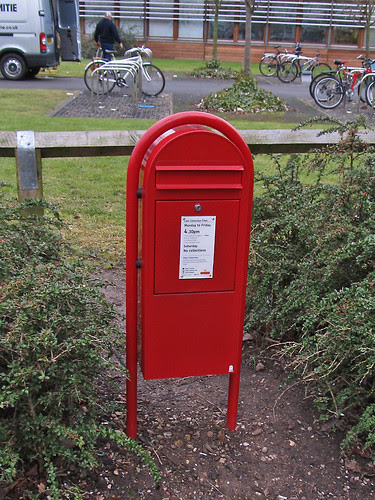 Post Box NG8 242 : 1300a