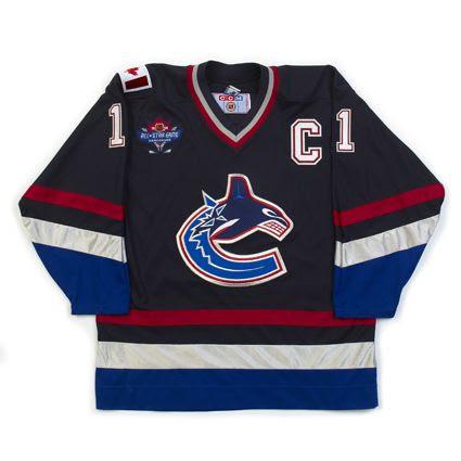 Vancouver Canucks R 97-98 jersey photo VancouverCanucksD97-98jersey.jpg
